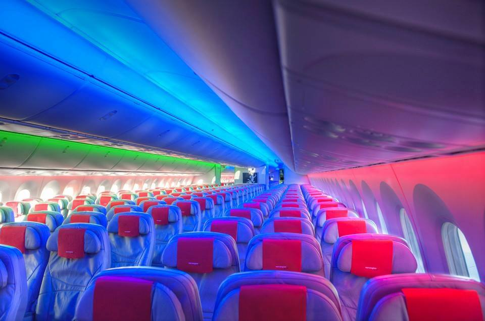 Dreamliner Boeing 787 cabin lighting